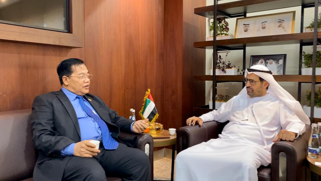 The World Muslim Communities Council Chairman receives Cambodian Minister of State